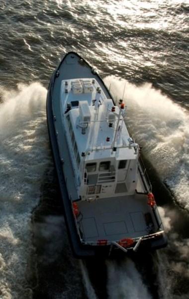 Proefvaart No Limit Ships op IJsselmeer bij Urk